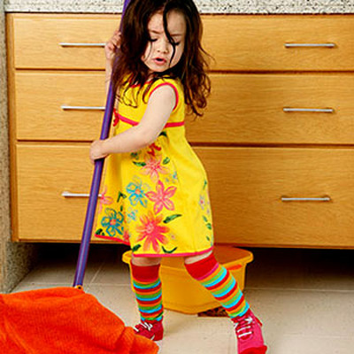 Một khi có cảm giác được độc lập thì bé sẽ có động lực để giúp mẹ nhiều hơn nữa.