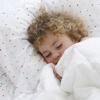 Cần đề phòng bé bị lạnh trong đêm