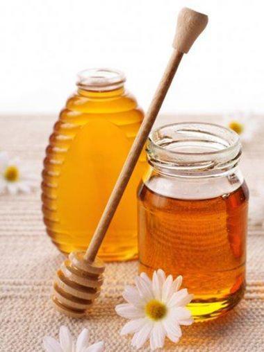 Sử dụng mật ong có thể chữa mặn cho món ăn hiệu quả.
