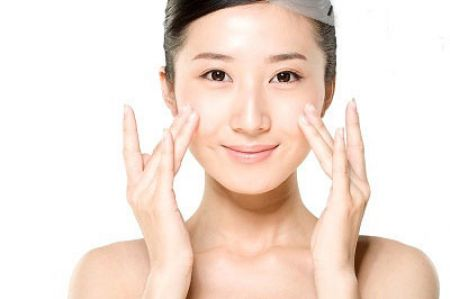 Chăm sóc cho da nhờn đòi hỏi bạn phải đầu tư thời gian và kiên nhẫn, tìm các loại mỹ phẩm và sản phẩm chăm sóc da phù hợp nhất với mình.