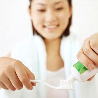 Quy trình của vợ anh mỗi khi gần gũi là phải có giờ giấc, vệ sinh răng miệng sạch sẽ...