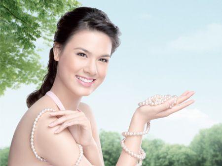 Kem dưỡng ẩm sẽ giúp bạn có một làn da mịn màng.
