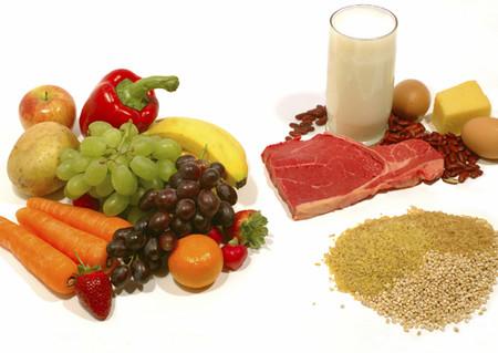 Ngoài các loại ngũ cốc, mẹ cũng có thể cho bé làm quen với một số loại hoa quả