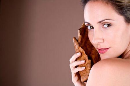 Kem chống nắng nên được thoa trên da trước một vài giờ để có hiệu quả tốt nhất trong suốt cả ngày.