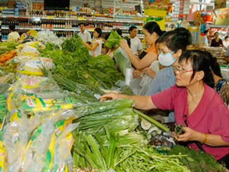 Mua rau quả đúng mùa giá sẽ rẻ hơn