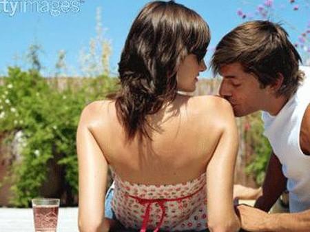 Đàn ông nghiêng về nhiều mối quan hệ tình dục và các bà vợ phải cảnh giác với điều này.
