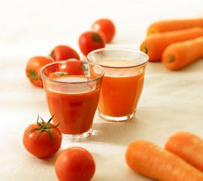 Nước ép cà rốt chứa nhiều vitamin giúp lưu thông máu hiệu quả.