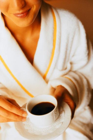 Ngực nhỏ đi vì uống nhiều cà phê? 1