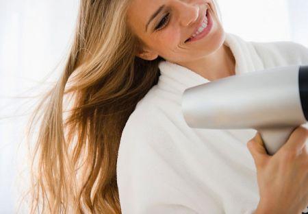 Để có kết quả tốt nhất, bạn nên sấy khô và tạo kiểu tóc ở phía trước đầu tiên, sau đó đến phần tóc phía sau.
