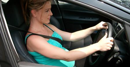Hãy cài dây an toàn để bảo vệ cho thai nhi: chỉ dây an toàn mới có thể giữ bạn không bị lao về phía trước.
