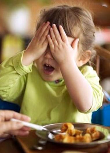 Hãy thường xuyên thay đổi món ăn cho trẻ và chế biến từ nhiều nguồn thực phẩm khác nhau.
