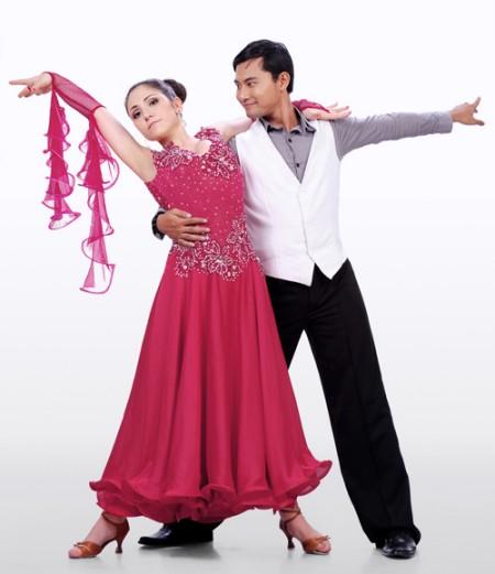 Huỳnh Đông và bạn nhảy Rusina Boncheva Stefanova