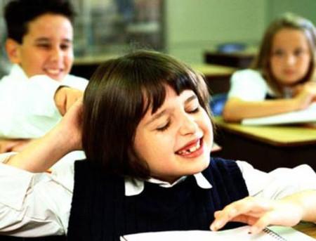 Bị rối loạn tăng đông, trẻ sẽ không thể điều chỉnh hành vi hoặc cảm xúc của chúng, chúng không rút được kinh nghiệm sau những sai lầm của mình, không thể lập kế hoạch hay tổ chức việc gì và gặp khó khăn về bộ nhớ ngắn hạn
