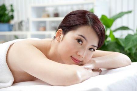 Các nghiên cứu đã chỉ ra rằng mùi hương không chỉ tác động tích cực tới cảm giác của con người mà còn kích hoạt các tế bào da, nhờ đó giúp chống đỡ với các biểu hiện lão hóa hiệu quả.