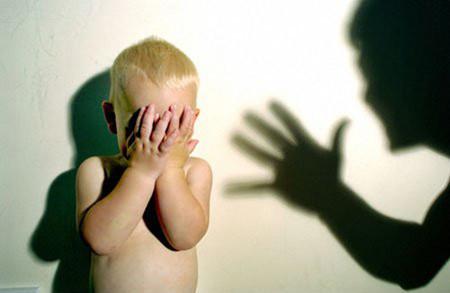 Không phải ngẫu nhiên, hình phạt thể chất đối với con trẻ lại bị phản đối kịch liệt.