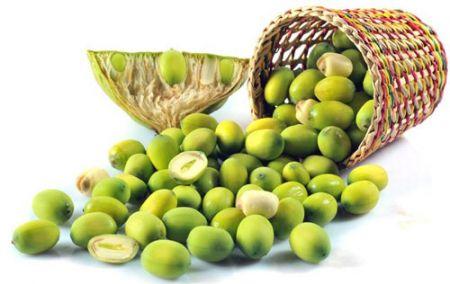 Hạt sen hay được dùng trong các món ninh, hầm hay nấu chè.