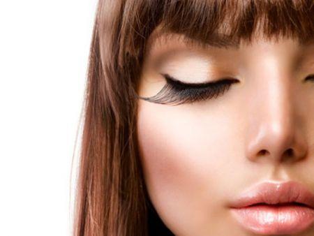 Độ dài của mi giả nên dài hơn ở phần đuôi mắt .