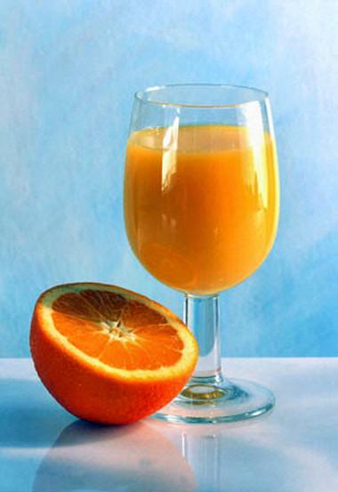 Làn da tươi tắn với nước cam.