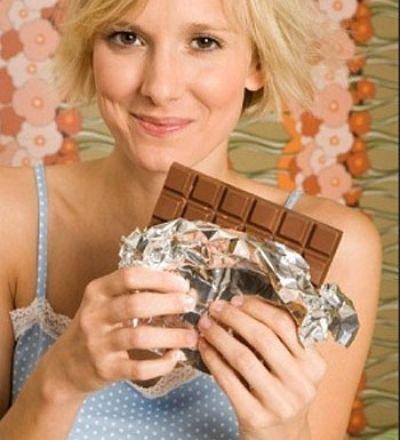 Nếu muốn không tăng cân, bạn không nên ăn quá 100g sôcôla/tuần.