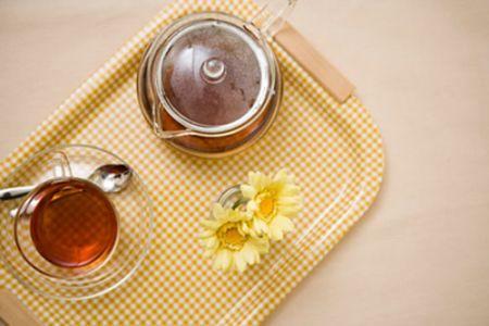 Loại trà thảo mộc này mang lại cho bạn cảm giác thư thái, ấm áp và giúp bạn dễ dàng chìm vào một giấc ngủ sâu.