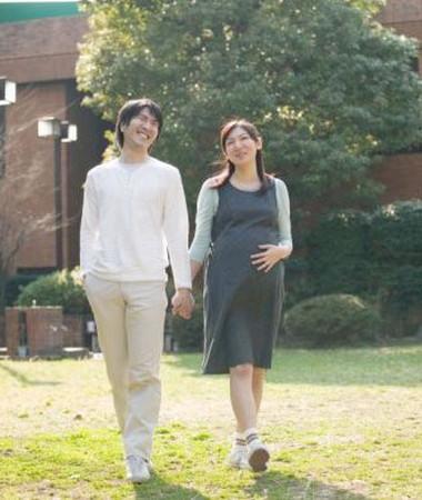 Mỗi ngày thai phụ nên dành khoảng 20 phút để đi bộ nhanh