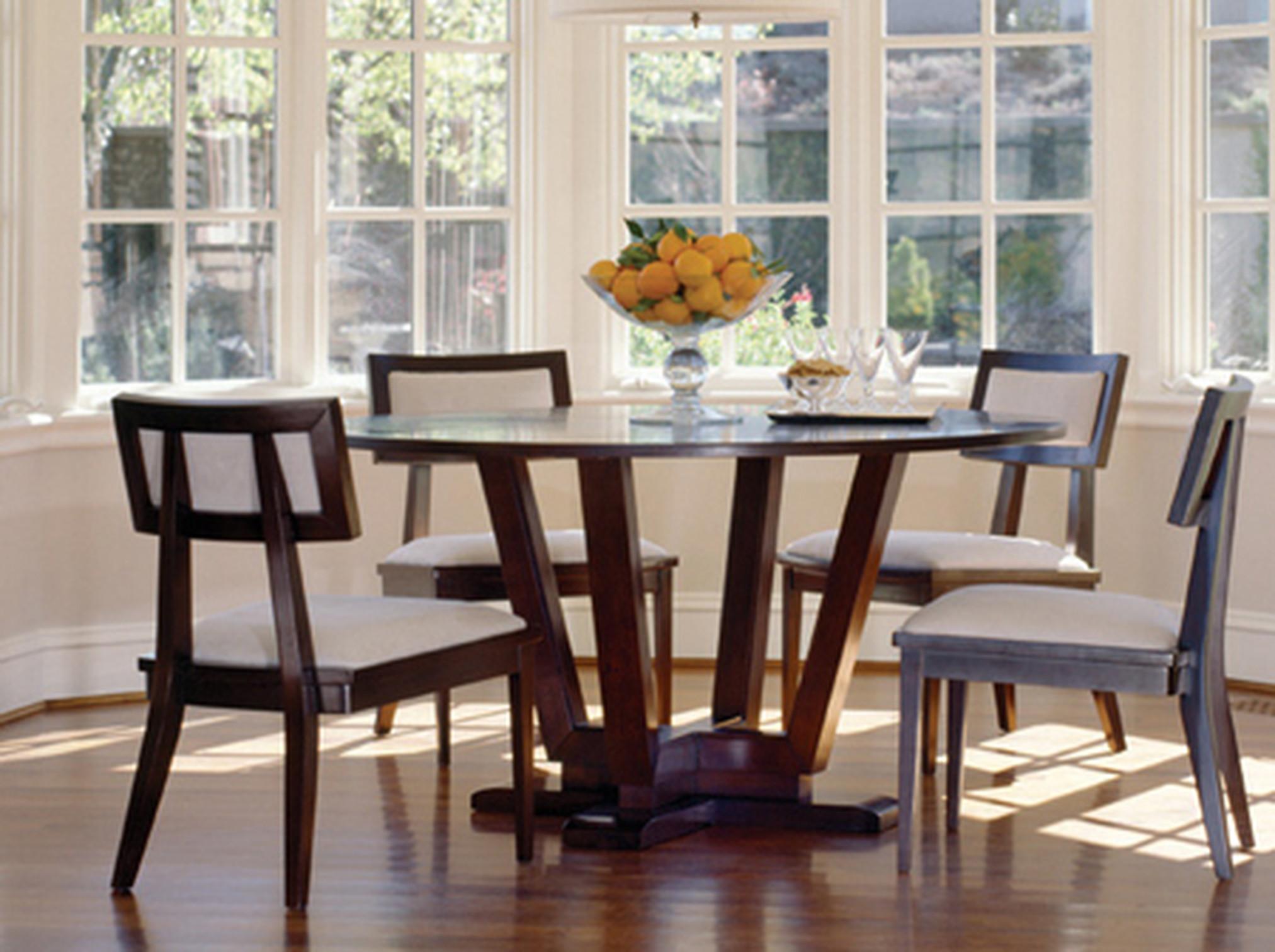 Khu vực bàn ăn mở rộng 1