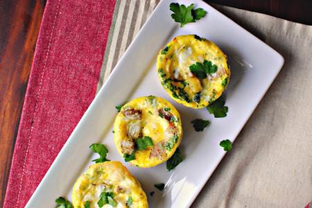 Thực đơn bữa sáng cho bạn thật ngon và đủ chất với món bánh trứng xúc xích