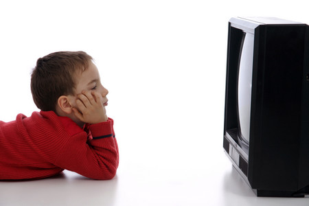 Không nên cho trẻ xem những loại phim có nội dung qua kinh dị và bạo lực