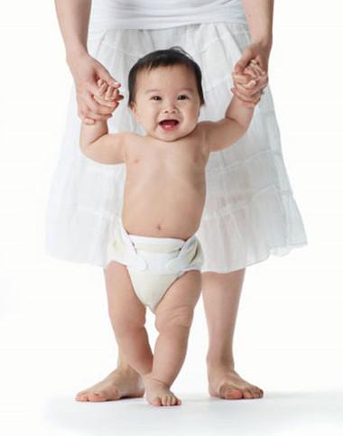 8 tháng, cân nặng và chiều cao của bé vượt chuẩn nhưng cháu lại chưa mọc răng