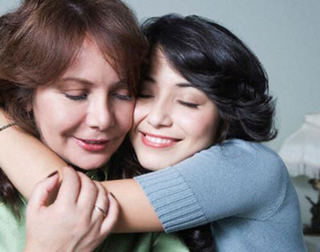 Chị em nên hỏi mẹ của mình những câu hỏi nào về sức khỏe?