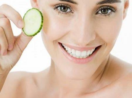 Việc loại bỏ hắc tố melanin bằng các thực phẩm tự nhiên là phương pháp hữu hiệu, kinh tế và an toàn nhất mà bạn nên áp dụng để trị nám.
