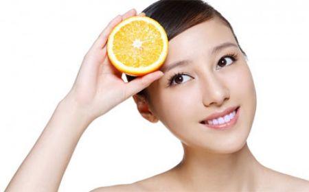Một chế độ ăn uống lành mạnh, có tác dụng hỗ trợ làn da khỏe đẹp và làm chậm sự phát triển của nếp nhăn là tất cả những gì chị em đang tìm kiếm.