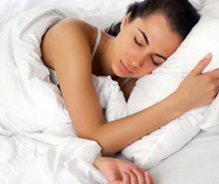 Ngủ quá nhiều hoặc quá ít đều không tốt cho tim.
