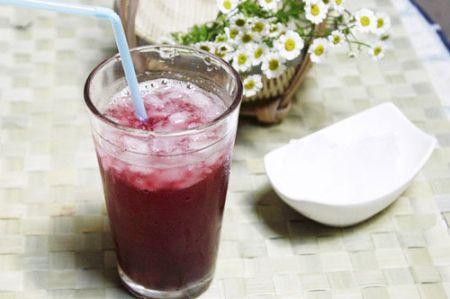 Giải khát với nước dâu ngọt thơm 1