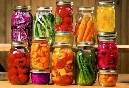 Thực phẩm đóng hộp vẫn cung cấp đủ dinh dưỡng như thực phẩm tươi, nhưng rẻ và tiện hơn nhiều.