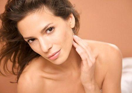 Cách thức trị mụn này không những vừa có tác dụng loại bỏ mụn mà còn lành tính và tự nhiên, đồng thời lại còn làm mát da, mịn da.