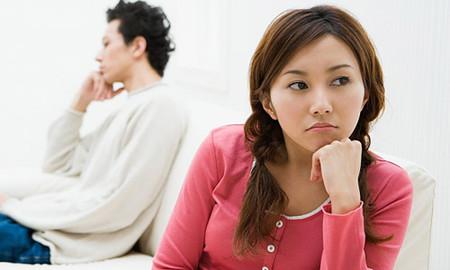 Bố chồng nhiếc móc khi thấy con trai giảng hòa với vợ 1