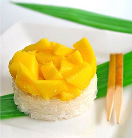 Hãy thử với món xôi xoài của Thái bạn sẽ khó mà quên được