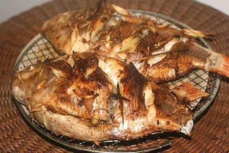 Hấp dẫn, thơm ngon với cá nướng riềng sả.