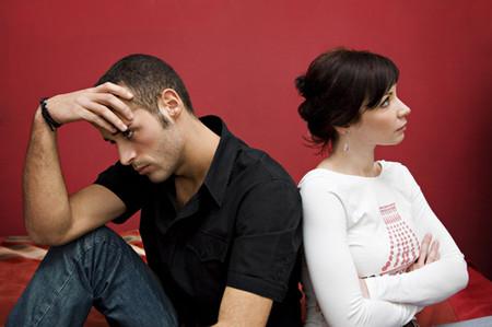 Anh Tuân luôn mệt mỏi với những ghen tuông, nghi ngờ của vợ.