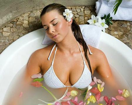 Sở hữu bộ ngực đẹp giúp bạn tự tin hơn, vậy tại sao không dành thời gian chăm sóc cho núi đôi?