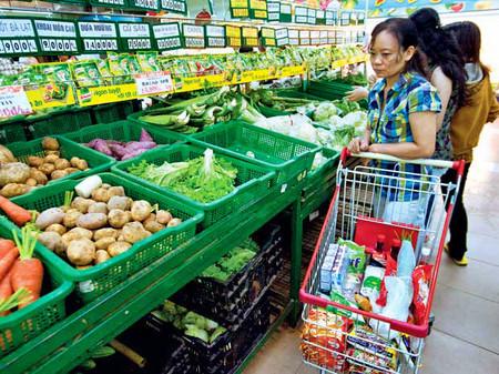 Nên mua rau và trái cây đông lanh.