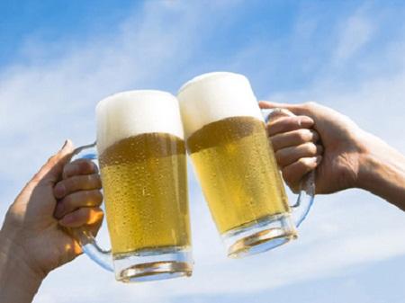Uống bia vừa đủ để bảo vệ sức khỏe.