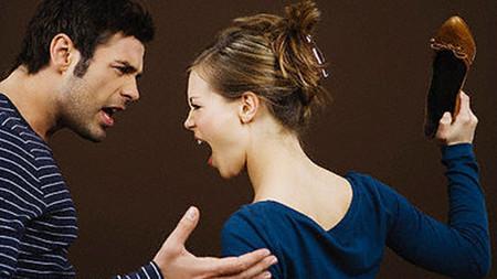 Khi nóng giận đừng để những câu nói vô tình làm mâu thuẫn giữa vợ chồng bạn tăng cao hơn.