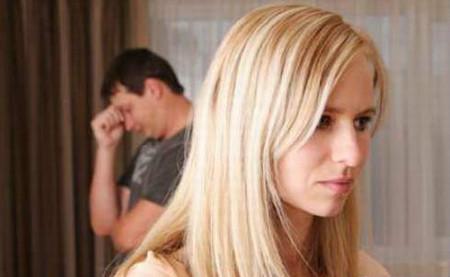 """Anh rất giận vì chị cứ mải miết với """"giọng ca"""" của mình mà đến con cũng không quan tâm."""