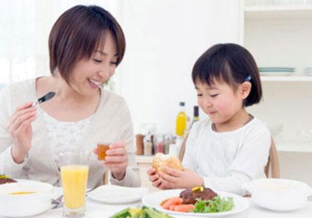 Ăn sáng đúng cách để bảo vệ sức khỏe.