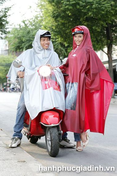 Có nhiều mẫu áo mưa mới tiện dụng hơn