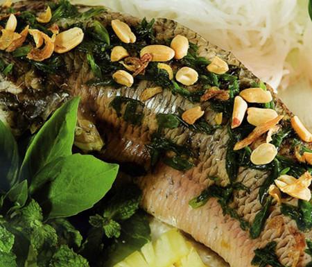 Canh cá hấp cung cấp rất nhiều chất dinh dưỡng cho thai nhi.