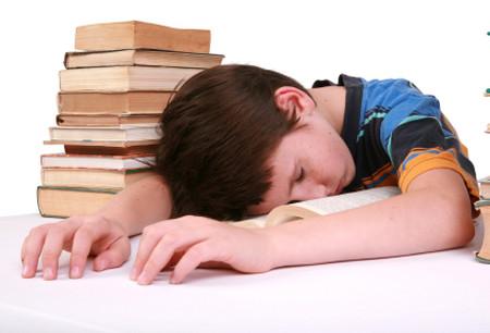 Phụ huynh vô tình biến việc học trở thành nỗi sợ hãi cho con trẻ