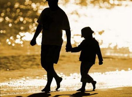 Với con cha là tất cả, ước gì con được bước bên cha suốt cuộc đời này